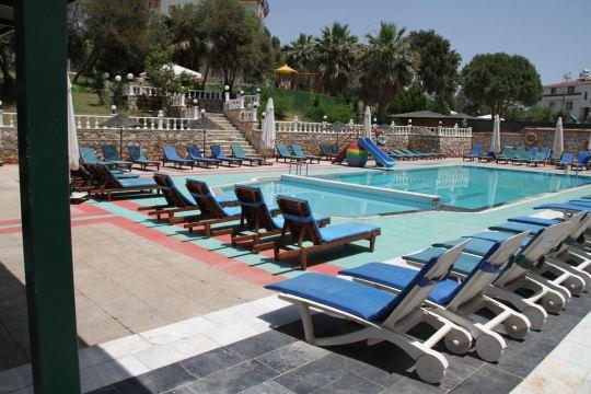 TEMPLE BEACH HOTEL 2*