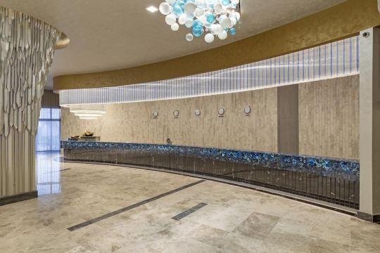 ROYAL SEGINUS HOTEL 5*