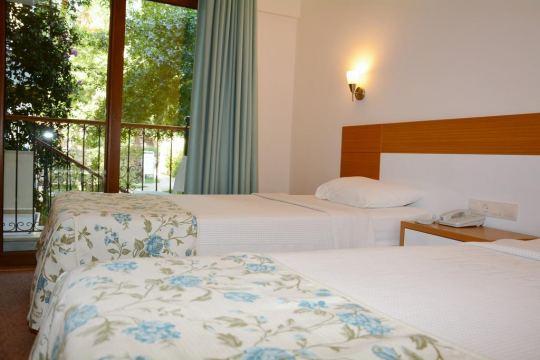 PERDIKIA HILL HOTEL 4*