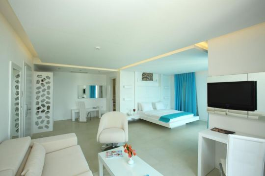 COSTA LUVI HOTEL 4*