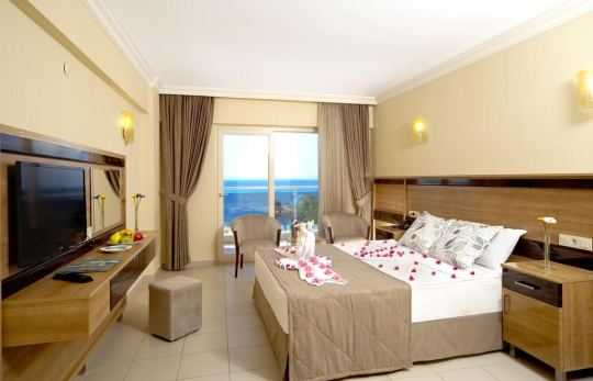 GUMULDUR RESORT HOTEL 4*