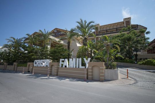 CRYSTAL FAMILY RESORT 5*