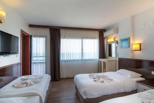 SUNDAY BEACH HOTEL 3 *