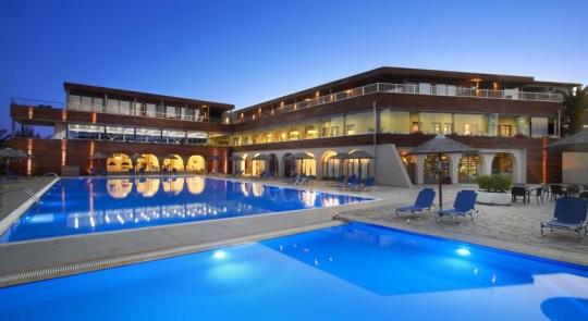 Почивка в BLUE DOLPHIN HOTEL 4*