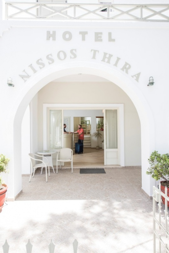 Почивка в NISSOS THIRA HOTEL 2*