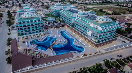 Почивка в SENSITIVE PREMIUM RESOST & SPA 5*