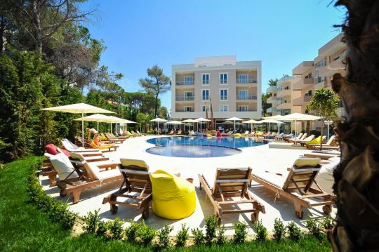 Почивка в SANDY BEACH RESORT 4*
