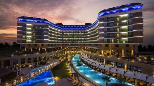Почивка в ASKA LARA RESORT & SPA 5*
