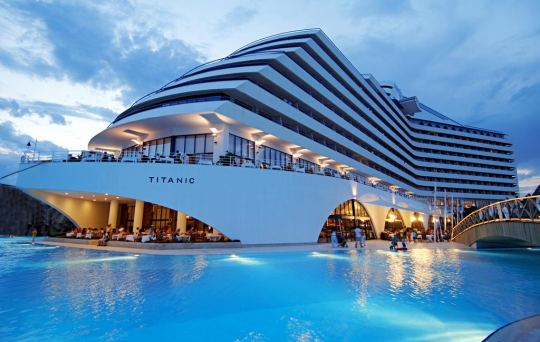 Почивка в TITANIC BEACH RESORT - 5*