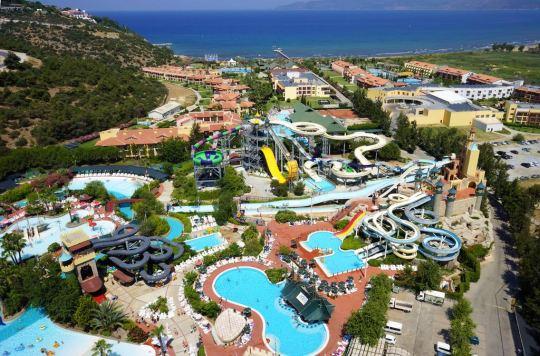 Почивка в AQUA FANTASY HOTEL & SPA 5*