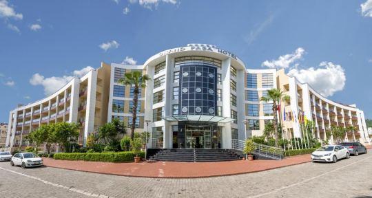 Почивка в GRAND PASA HOTEL 5*