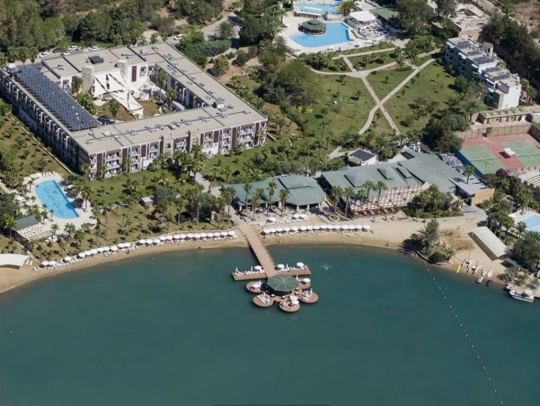 Почивка в CRYSTAL GREEN BAY RESORT 5*