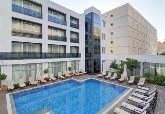 Почивка в HOTEL LERO 4*