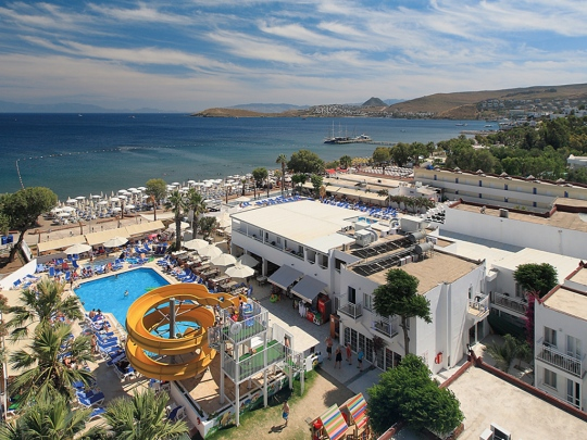 Почивка в PETUNYA BEACH RESORT 4*