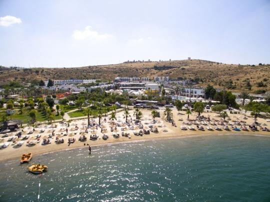 Почивка в JASMIN BEACH HOTEL 4*