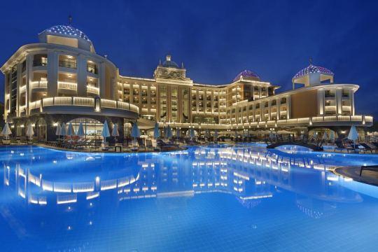 Почивка в LITORE RESORT HOTEL & SPA 5*
