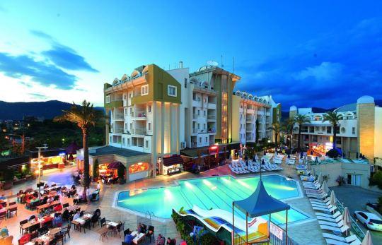 Почивка в GRAND CETTIA HOTEL  4*