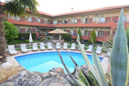 Почивка в ZEUS HOTEL 2*