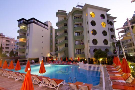 Почивка в KRIZANTEM HOTEL 4*