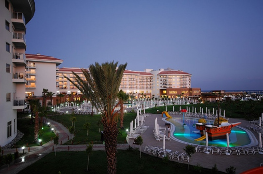 Почивка в SEA WORLD RESORT & SPA 5*
