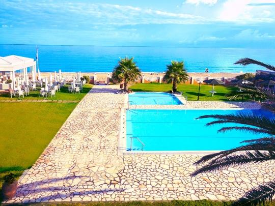 Почивка в ACHARAVI BEACH HOTEL 4*