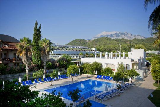 Почивка в ARMAS GUL BEACH HOTEL 5*