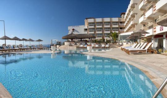 Почивка в CARINA HOTEL 4*