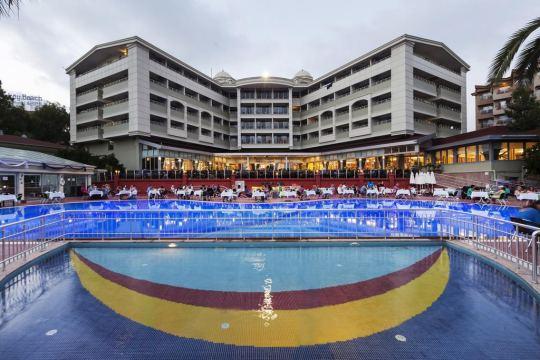 Почивка в HANE HOTEL SIDE 4*