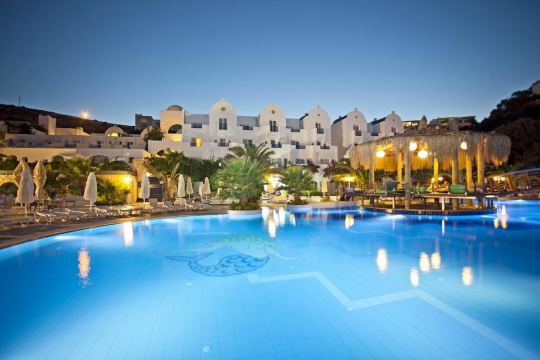 Почивка в SALMAKIS BEACH RESORT & SPA 5 *