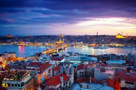 Почивка Великден 2018 в Истанбул <br> Програма с 3 нощувки<br>  нощен преход  - <font color=green> ОБЯВЕНИТЕ ЦЕНИ СА С ВКЛЮЧЕНИ ОТСТЪПКИ ЗА РАННИ ЗАПИСВАНИЯ ДО 31.01.2018</font>