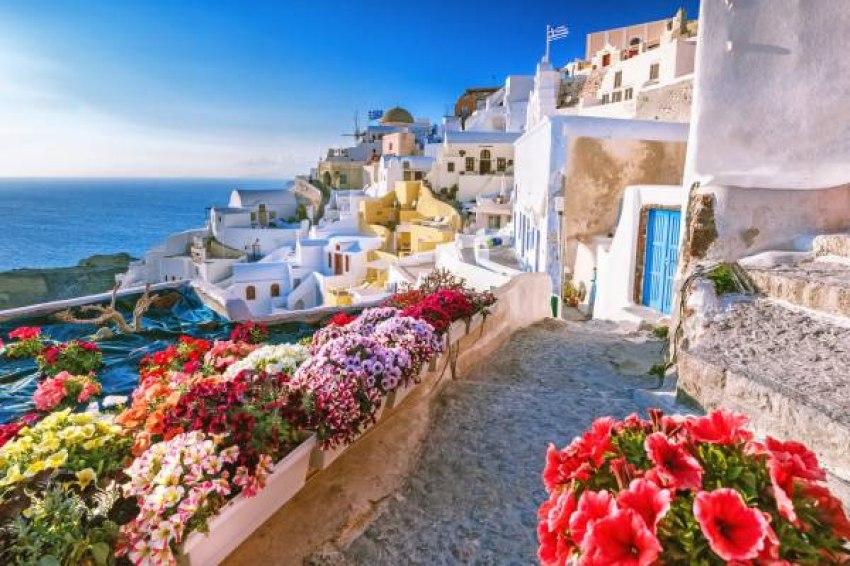 Почивка Майски Празници 2018 в Санторини <br>c полет от София на <br> 27.04.2018 с 4 нощувки -