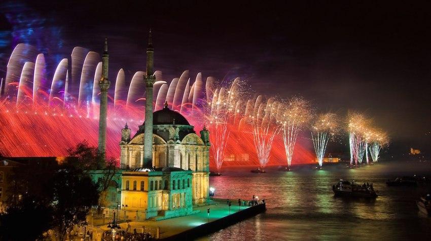 Почивка НОВА ГОДИНА 2019 <br> в Истанбул <br> 3 нощувки с дневен преход от 29.12.2018 с Новогодишна гала вечеря в GAR MUSIC HALL - <font color=green> НЯМА СВОБОДНИ МЕСТА</font>