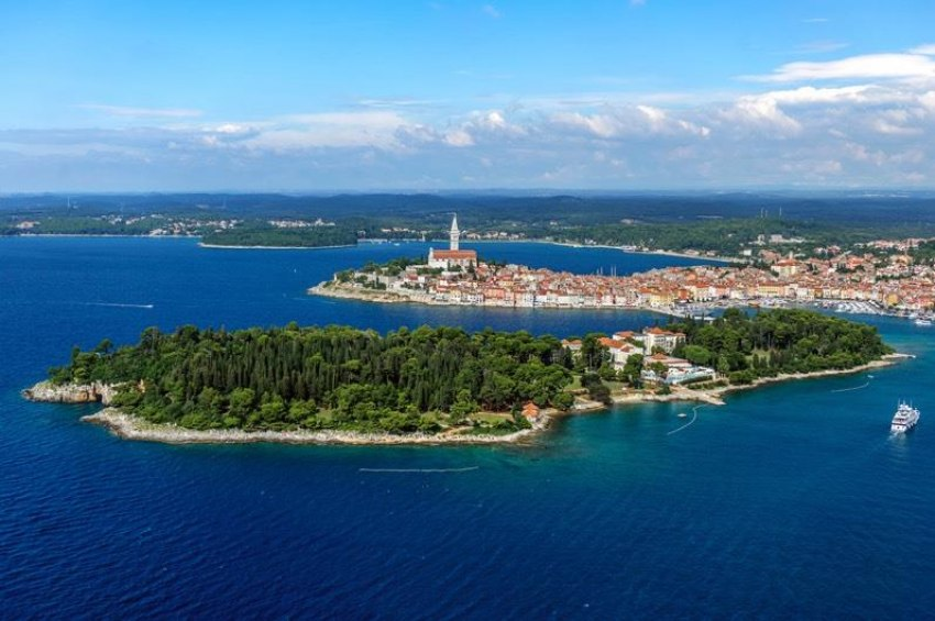Почивка Ровин - Лято 2018 Самолетна програма <br> от Варна със 7 нощувки  -
